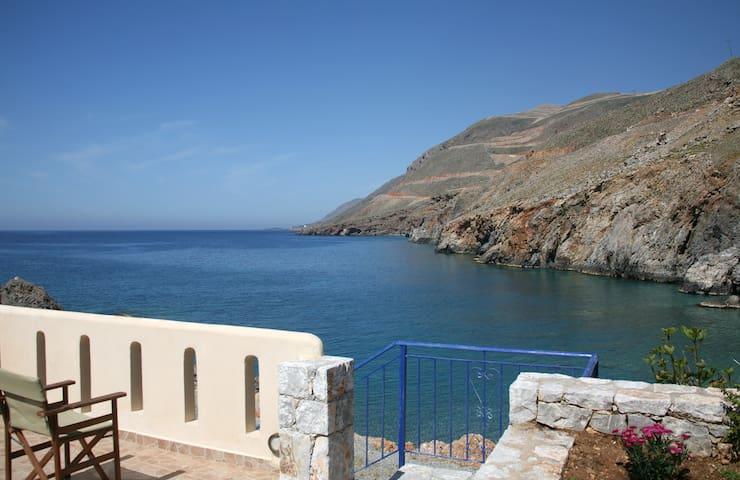 Self Catering Suite 4 in Sfakia  - Crete - Daire