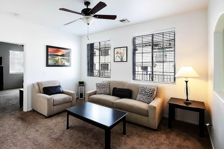3BR NICE Monthly Rental for Travelers + Nurses
