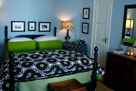 available apartment A three-storey - Etelä-Jakarta - Huoneisto