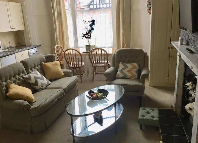 Scoresby's Nest spacious apartment with parking