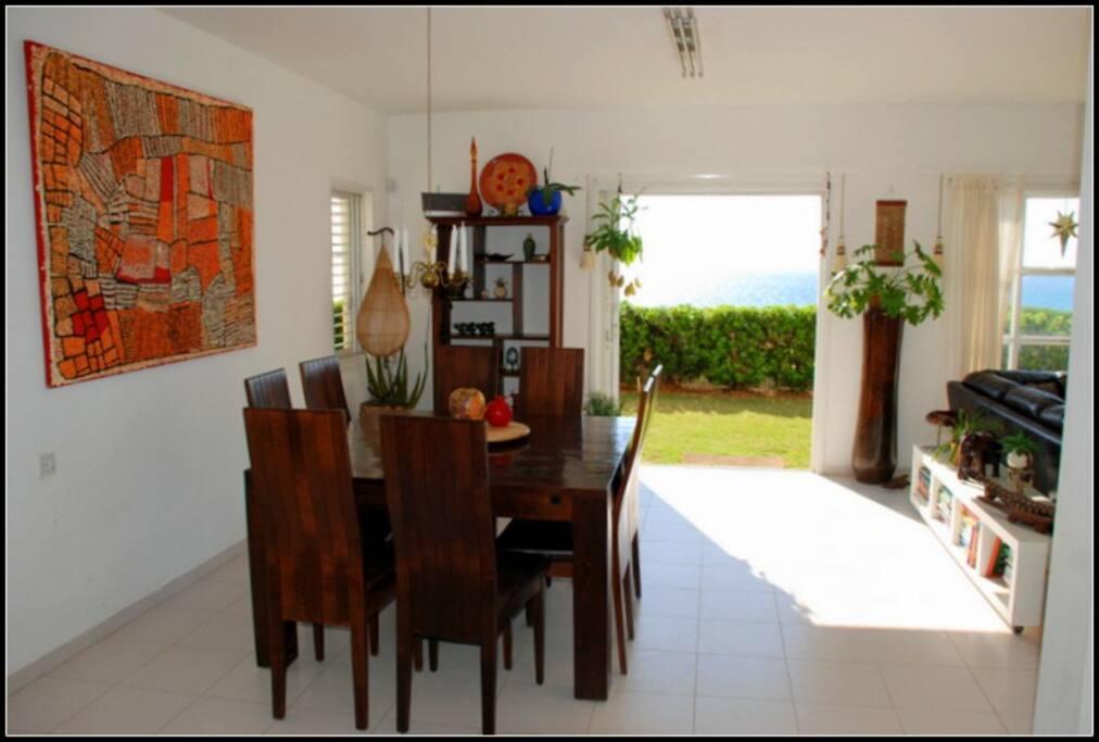 Dining area/ loyunge room