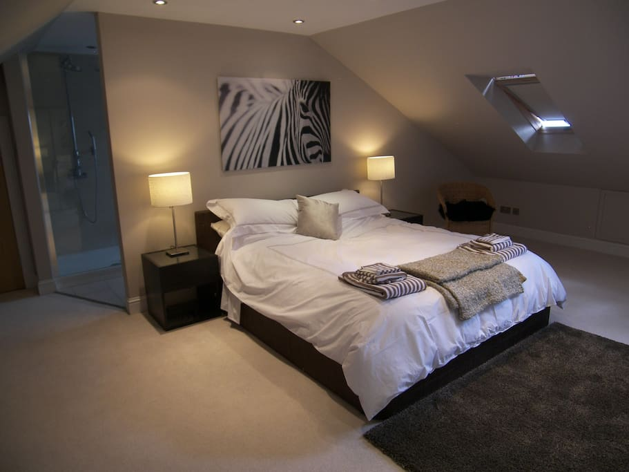 Bed 1 - Master bedroom with en-suite