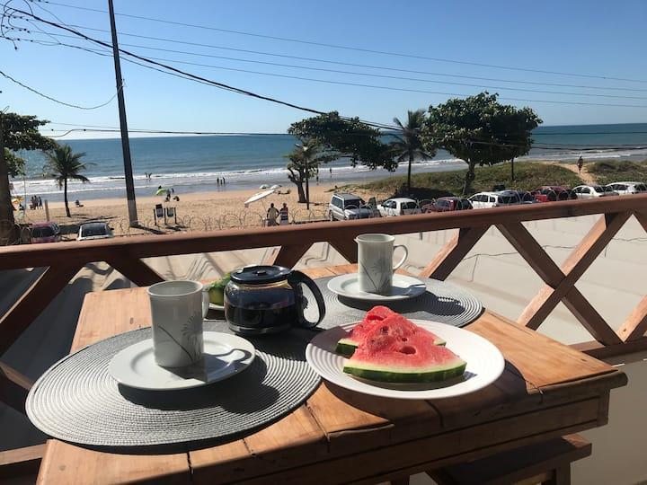 Apto frente mar com Ar cond praia do Ule Família