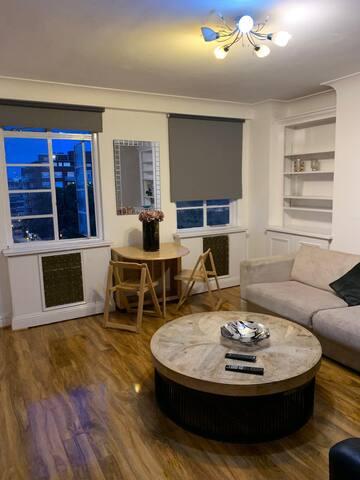 Sloan Street Apartment