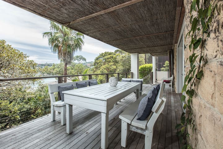 Waterfront Living with Clontarf Beach at your Door - Clontarf