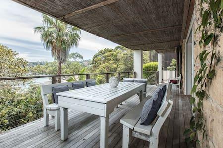 Waterfront Living with Clontarf Beach at your Door - Clontarf