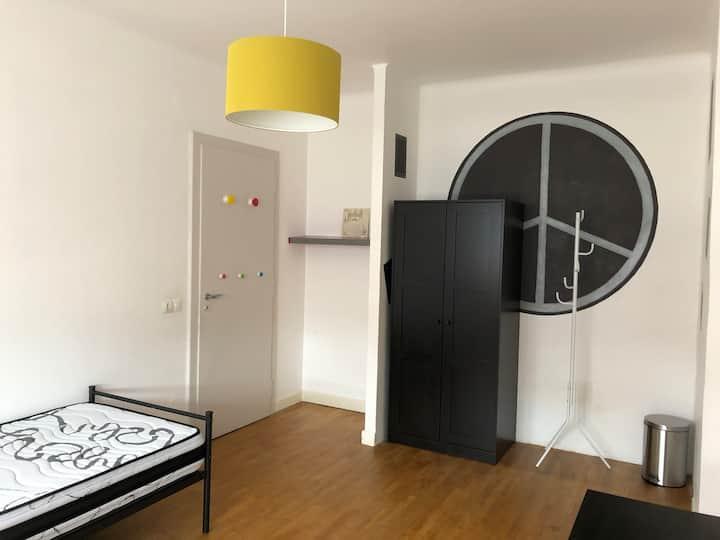 "Chambre privée ""Ado"" à Metz-Montigny"