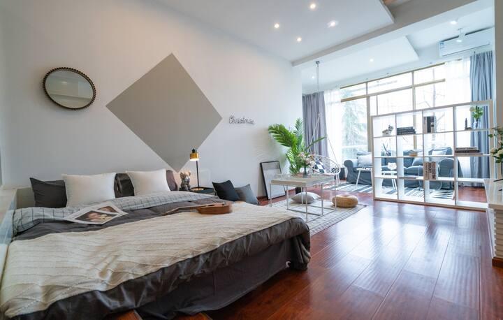 每客消毒【墟里】下楼就是九眼桥兰桂坊&客厅卧室超大空间&可住2人&舒适一居室