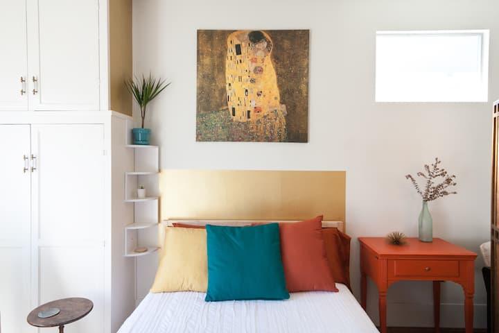 Quaint Coronado mid-century modern sunny studio