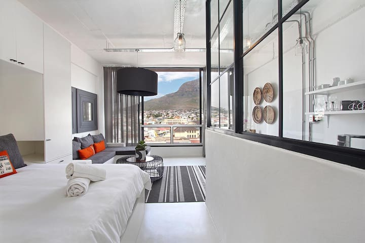 Spacious Stylish Studio Biscuit Mill+ Mountain vws