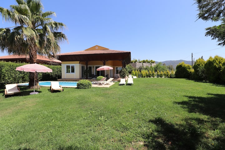 3 Bedroom Private Villa TR08