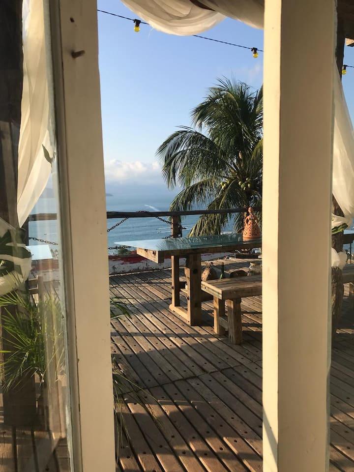 Suite charmosa com vista panorâmica em Ilhabela