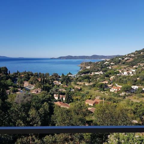 T1 vue mer  hauteurs d'Aiguebelle  Le Lavandou