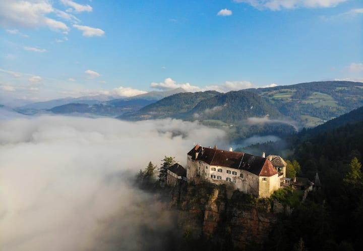 Burg Rothenfels - Zuhause mit Weitblick