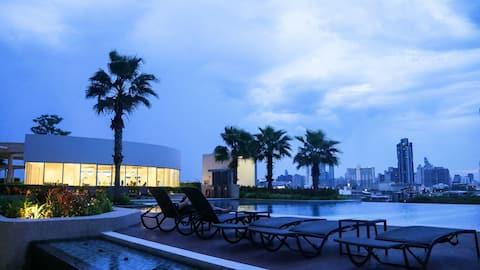31号60平米公寓,湄南河河景房+无边游泳池+海鲜自助+摩天轮夜市+预订接送机+前台24小时叫车。