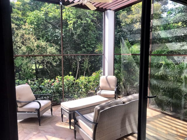 Enjoy this Tropical Paradise (bug-free) with a brand new, fully enclosed patio!