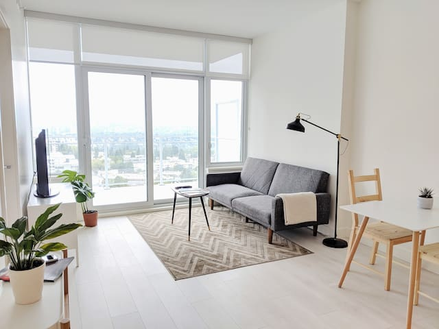New and clean one-bed apartment near Metrotown