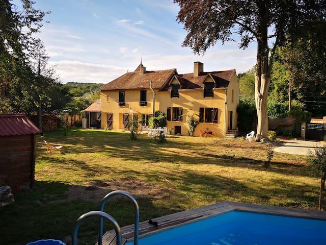 Maison du Vexin Français et son grand jardin