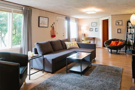 Spacious Woodlawn Suite