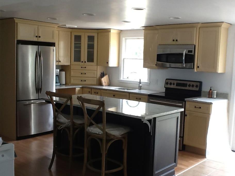 granite kitchen with island