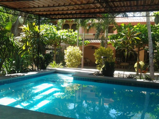 Tranquil Tropical Gardens with pool - Playa Hermosa - House