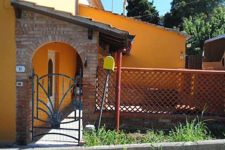 Casa con ampio patio nella campagna toscana - Cafaggio - Lägenhet