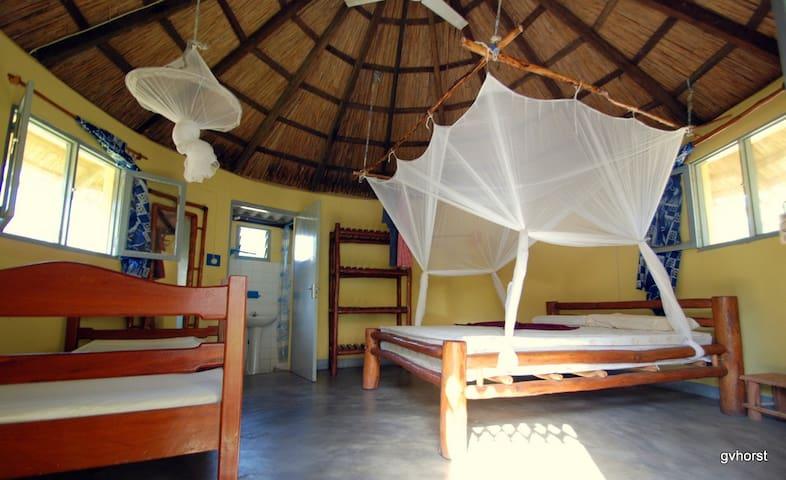 Wuyani Pariango Beach Motel - Inhambane