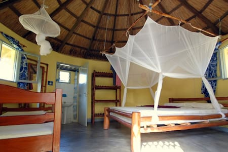 Wuyani Pariango Beach Motel - Inhambane