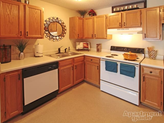 Convenient, clean, and cozy - Murfreesboro - Leilighet
