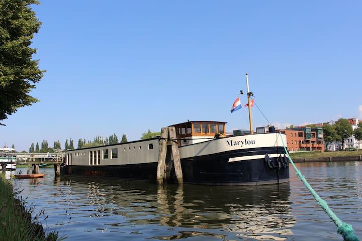 Beautyfull boat near Amsterdam / Zaandam