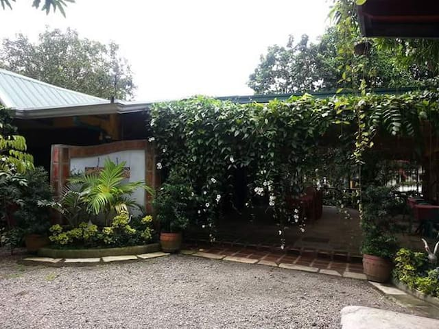 Casita Bonita with nice garden, fishpond and pool.