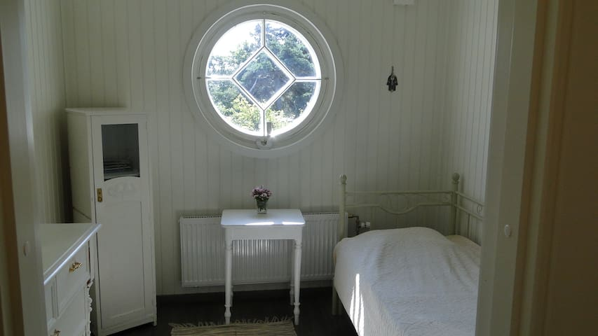 Bedroom with convertible bed