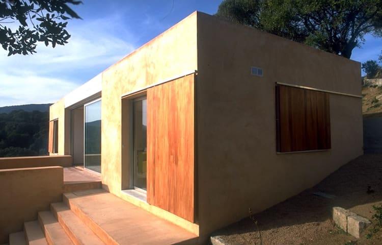 Modern villa near Propriano Corsica - Olmeto - Hus