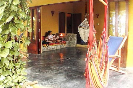 Casa Astrid Beach Front Euro House - Cabuya