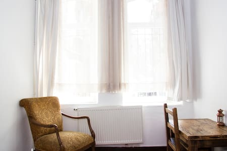 Cosy Private room in Beyoglu/TAKSIM - İstanbul