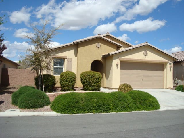 Golf course comm3/bdrm/2bath/slps6 - Pahrump - Rumah