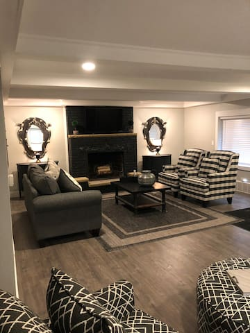 Luxury awaits you in Sylvania/Toledo!