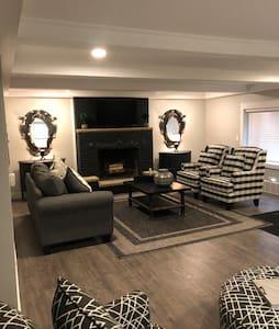 Luxury awaits you in Sylvania/Toledo!