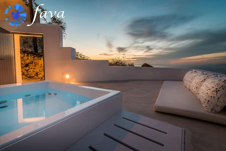 Fava Eco Suites - Executive Suite with outdoor heated private jacuzzi