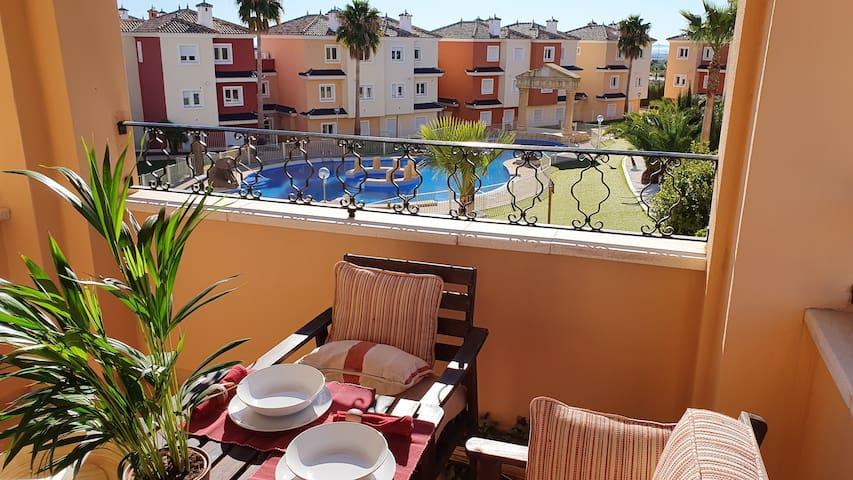 Precioso duplex PISCINAS DISPONIBLES Mosa Golf
