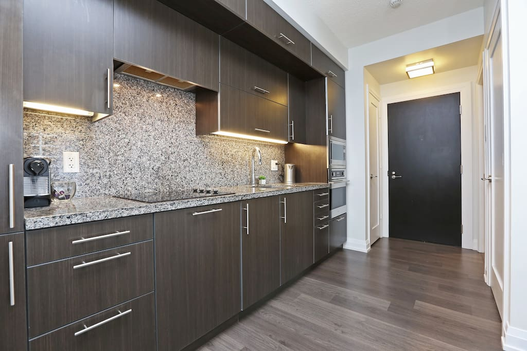Kitchen: Convection oven, Dishwasher, Microwave, Kettle, Nespresso machine