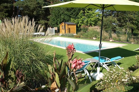 Cosy cottage in Peyzac-le-Moustier with Terrace