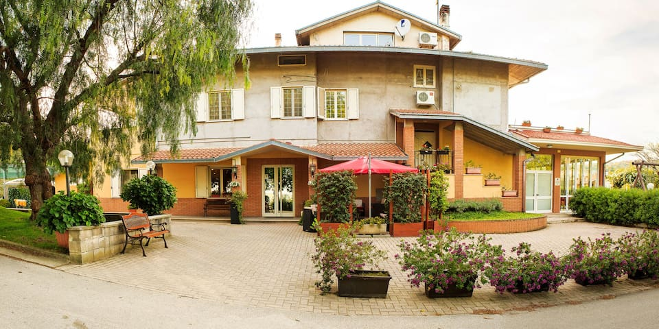 Eden Hotel Residence - Rosciavizza - Bed & Breakfast