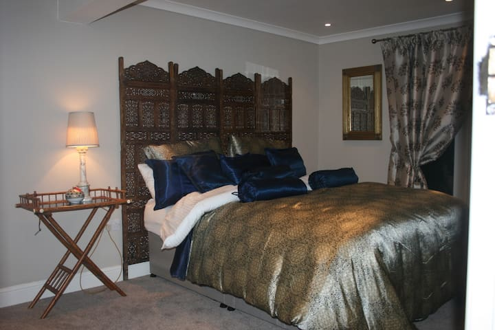 Shoyswell Cottage - Oriental Room - East Sussex - Bed & Breakfast