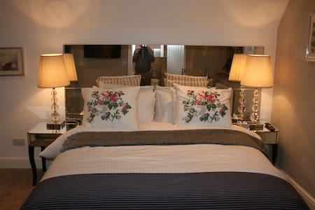 Shoyswell Cottage - Glass Room - Bed & Breakfast