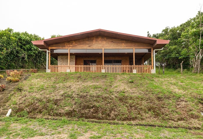 Cozy Cabin on an Organic Farm, cabin #3