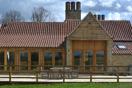 Charming Barn Conversion,Malmesbury - Wiltshire