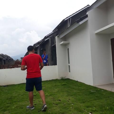 Your Retreat Place - Ungaran Hill