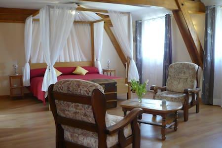 Chambre ROMANTIQUE en Périgord Noir - Coux-et-Bigaroque