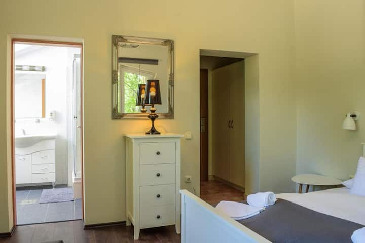 Accomo Apartman - Double bedroom for 2 person